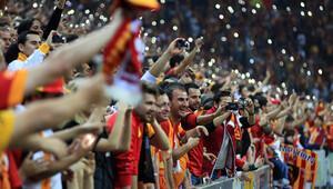 Galatasaray'da taraftar çıldırdı, seçim istiyor!