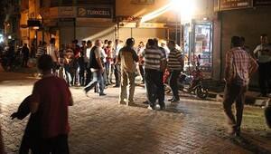 Suriyeliler ile esnaf birbirine girdi: 4 yaralı
