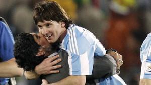 Maradona'dan Messi'ye 'dön' çağrısı!