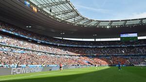 3 Temmuz'da Stade de France'da imzalanıyor