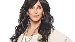 Cher'in Atatürk Havalimanı saldırısından sonraki mesajına büyük tepki