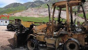 PKK'lılar şantiyeleri basıp araçları ateşe verdi, 25 personel kayıp