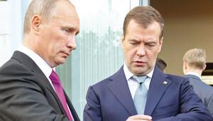 Putin'in iki, Medvedev'in 1 kararnamesi kısıtlamaları düzenliyor