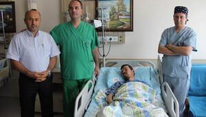 Böbreğinden 3 kilo 100 gram ağırlığında tümör çıktı