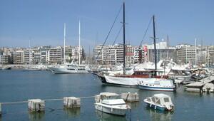 Yunan meclisi Pire Limanı'nın Çinli Cosco'ya satışını onayladı