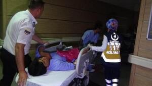 Afganistan bayrağı taşıyan 3 kişiyi PKK'lı terörist sanıp bıçakladılar