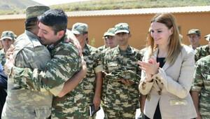 Türk iş adamları, Azerbaycan-Ermenistan cephe hattında askerlerle bayramlaştı