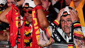 Almanya'da hayal kırıklığı ve hüzün yaşanıyor