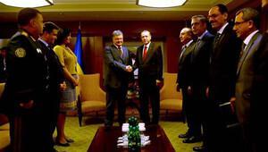 Erdoğan Varşova'da Poroşenko ile görüştü