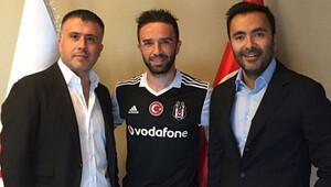 Gökhan Gönül Çeşme'de Fenerbahçeli taraftarla tartıştı