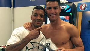 Ronaldo'dan Nani'ye anlamlı jest!