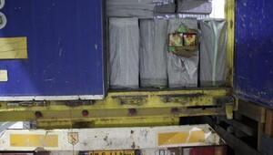 Gürbulak'ta 20 ton kaçak nargile tütünü ele geçirildi