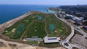 Deniz dolgusuna yapılan golf sahası açılıyor