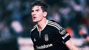 Beşiktaş Gomez ile 1 yıl daha