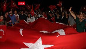 Avrupalı Türkler hep bir ağızdan haykırdı: Türkiye'de darbe istemiyoruz