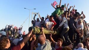 Sunday Times: Türkler darbeyi ezdi