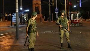 Adana'da tutuklanan savcıların evinde darbe