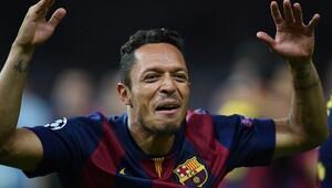 Beşiktaş, Adriano transferini bitirmeye çok yakın