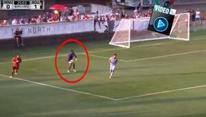 Bu kadarı da olmaz! İşte dünyanın en ilginç golü