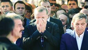 'Abdullah Tayyip'e ismini verenler cenazesinin başında yan yana ağladı