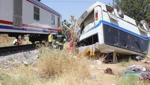 Alaşehir'deki kazada ölenler toprağa verildi