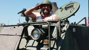 Atletle tank süren adam bakın kim çıktı?