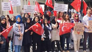 İngiltere'de okuyan öğrenciler, BBC'yi protesto etti