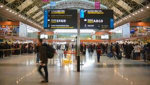 Tarifeli uçakla İstanbul'a uyuşturucu getirmişler