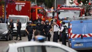 Fransa'daki rehine krizinde saldırganlar öldürüldü