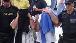 Yunanistan'a kaçan darbeci subayların iltica talebi 19 Ağustos'a ertelendi