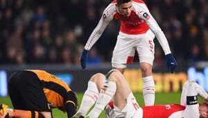 Arsenal'da Mertesacker şoku