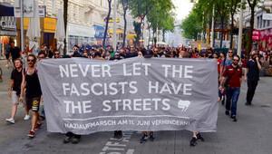 Viyana'da İslam ve mülteci karşıtlarını yürütmediler