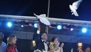Mutluluğa 'beyaz' güvercin