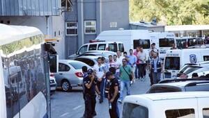 Foça'da gözaltındaki 96 asker daha serbest bırakıldı