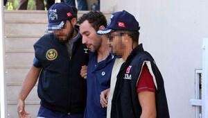 Marmaris'te yakalanan astsubaylar tutuklandı