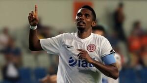 Eto'o transferinde büyük sürpriz! Futbolcu 'evet' dedi, Antalyaspor ise...