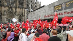 Avrupalı Türkler, Köln'deki büyük mitinge hazırlanıyor