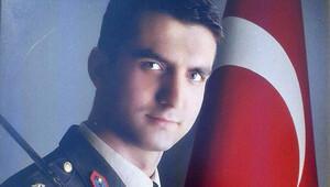 Jandarma Teğmen Selim Coşkun'un baba evine ateş düştü