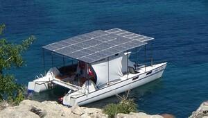 Bu yat güneş enerjisi ile çalışıyor