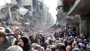Halep'te insani koridor açıldı, Türkiye sınırına doğru göç başladı