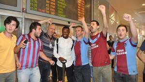 Trabzonsporun yeni transferi Onazi İstanbulda