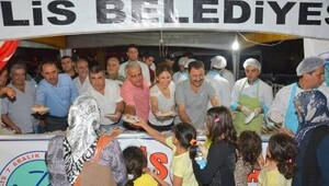 Kilis 7 Aralık Üniversitesi demokrasi nöbetinde