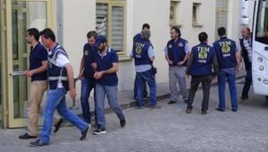 Uşak'ta 23 polis adliyede