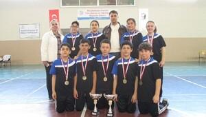 Şehit Soner Özübek Ortaokulu Takımı Masa Tenisinde Şampiyon Oldu
