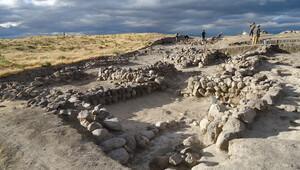 Niğde'de 2 bin 500 yıllık tapınak bulundu
