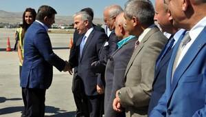 Eski Başbakan Ahmet Davutoğlu Kayseri'de