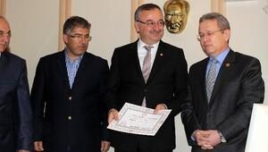 AK Parti Ve MHP'li Vekiller Mazbatalarını Aldı