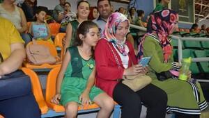 Akhisar'da potaya yoğun ilgi