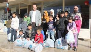 Suriyeli Çocuklara Giysi Yardımı Yapıldı