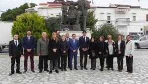 CHP Foça'nın Yeni Yönetimi Mazbatasını Aldı